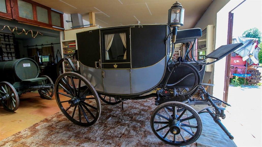 Unikátní sbírka muzea ukrývá i kočár z 18. století, který hraje ve filmech
