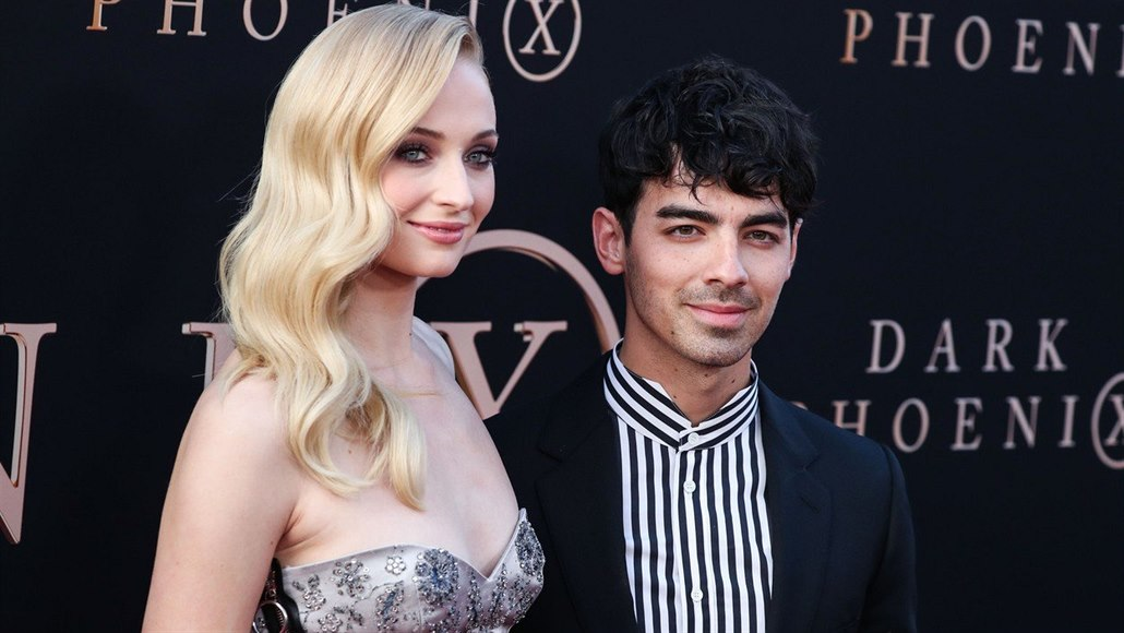 Sophie Turnerová a Joe Jonas na premiéře filmu X-Men: Dark Phoenix (Hollywood,...