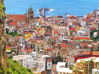 Neotřelý pohled na Amalfi z vnitrozemí. Abyste si jej užili, bude vás to stát...