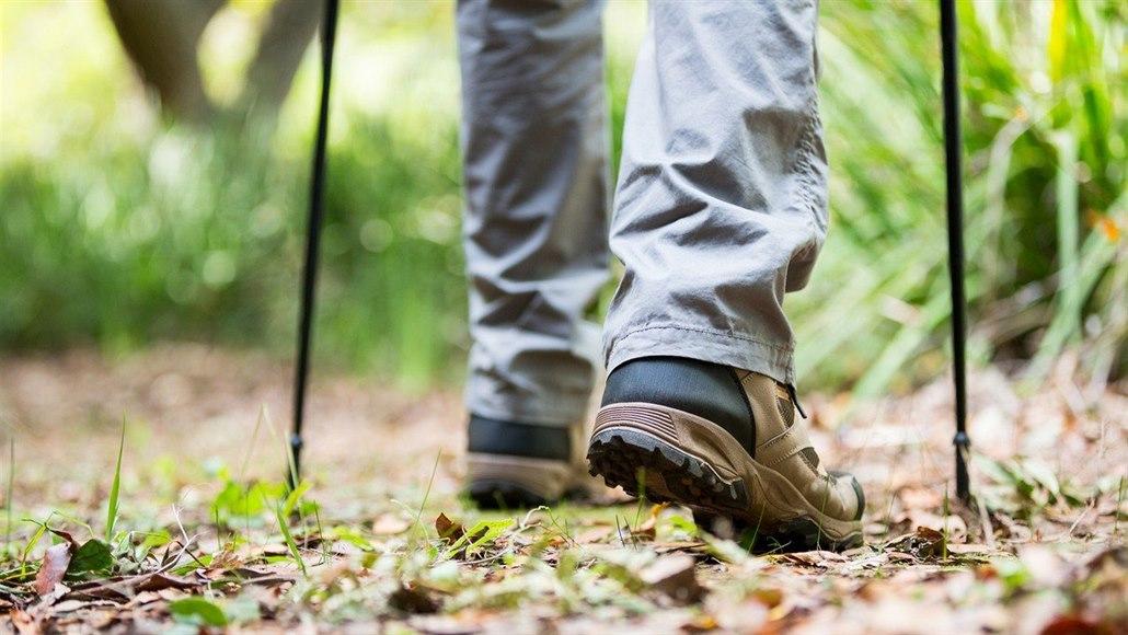 Od paty ke špičce: manuál správné chůze nejen pro božského Karla