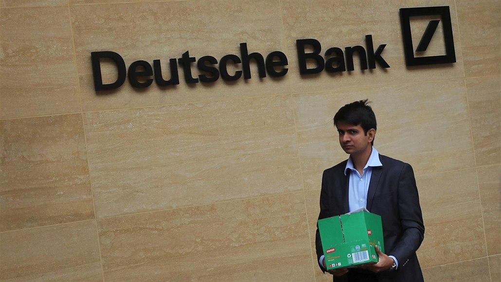 Evropa se zbavuje pracovníků bank, o místo přijde více než 40 tisíc lidí