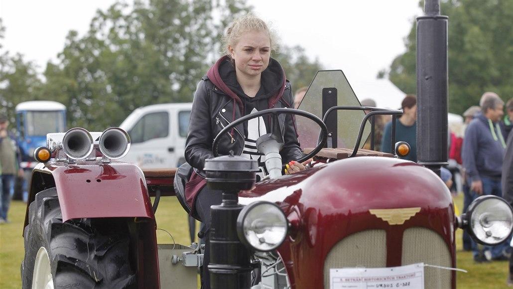 Opravy starých traktorů zaberou i rok, výsledky sklízely obdiv na přehlídce