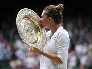 Rumunka Simona Halepová se raduje z vítězství Wimbledonu.