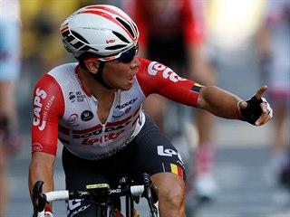 Caleb Ewan se raduje z vítězství v 11. etapě Tour de France.