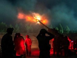 Cvičné noční střelby americké artilerie