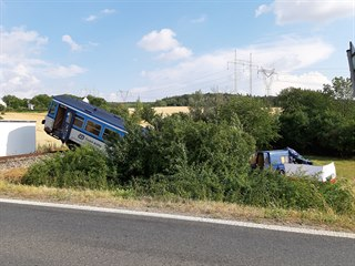 U obce Příčina na Rakovnicku se srazila dodávka s vlakem. Při nehodě zemřel...