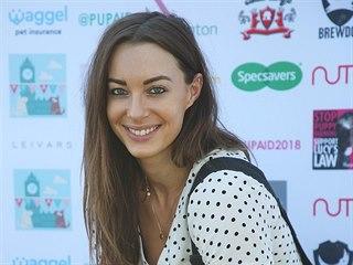 Známá britská youtuberka Emily Hartridge na smíku z roku 2018