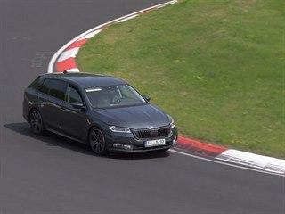 Nová Škoda Octavia na Nürburgringu
