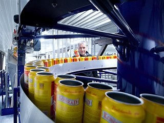 Linka na výrobu plechovkového piva přišla pivovar Konrad na 100 milionů korun....