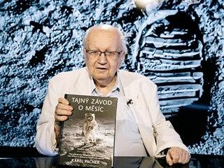 Novinář a dlouholetý propagátor vědy a výzkumu vesmíru Karel Pacner v pořadu...