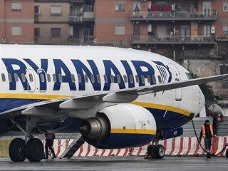 Boeing 737 MAX v barvách Ryanair.