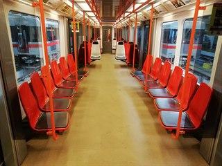 V pražském metru na lince C si cestující mohou od středy vyzkoušet nový typ...
