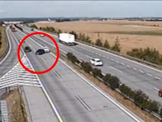 Nebezpečný manévr na dálnici D11