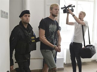 Soud muže na pět let vyhostil z Česka. (18. 7. 2019)