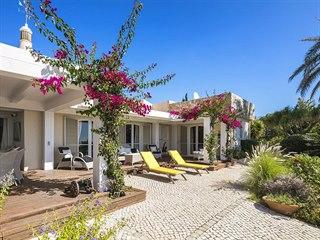 Lotte, Algarve, Luz, Portugalsko. Vila s dispozicí 4+kk o obytné ploše 217...