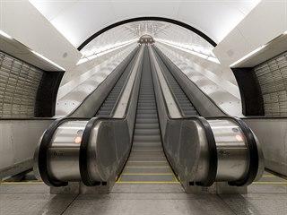 Na Karlově náměstí finišuje oprava eskalátorů v metru a také začalo hloubení...