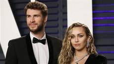Liam Hemsworth a Miley Cyrusová na Vanity Fair Oscar Party (Los Angeles, 24....