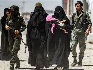 V syrském táboře Al-Húl žijí rodiny bojovníků Islámského státu. (23. července...