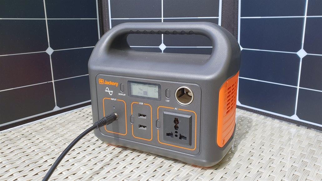 Nejde proud? Powerbanka Jackery umí napájet běžné 230V spotřebiče