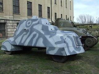 Renovovaný původní obrněný automobil varšavských povstalců Kubuś v Muzeu polské...