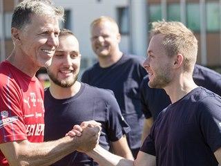 Reportér MF DNES David Čermák a reprezentační kouč Jaroslav Šilhavý na...