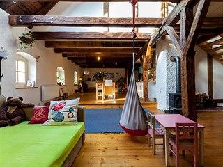 Protože podkroví mělo téměř tři sta let a historické stavby jsou pro Michala...