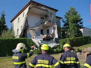 Dům ve Strahovicích na Opavsku po výbuchu. (8. srpna 2019)