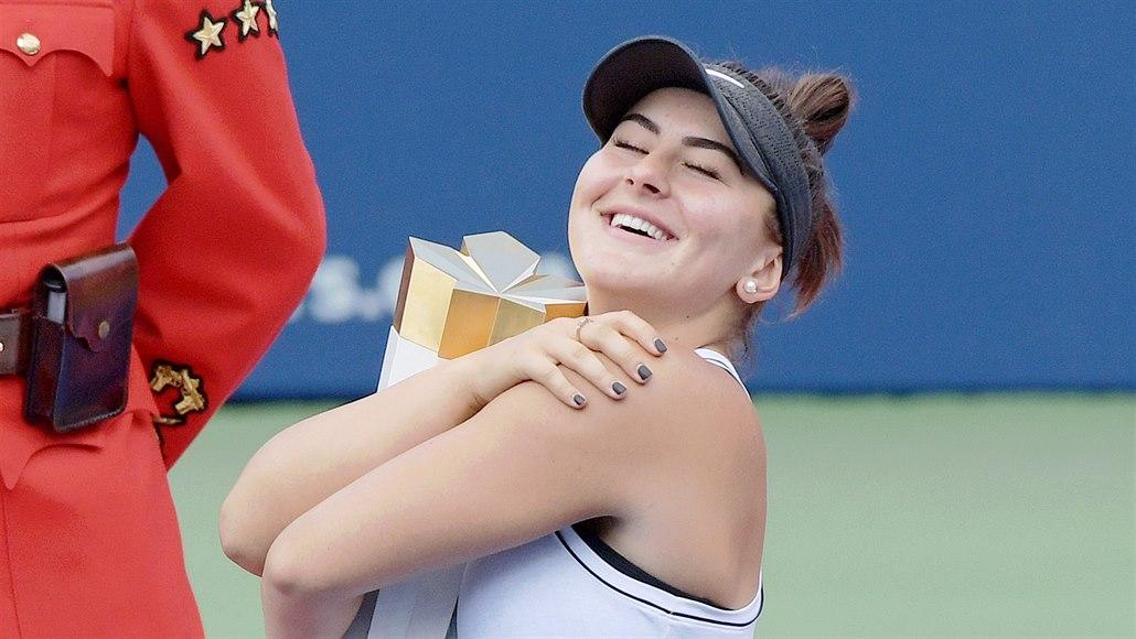 Andreescuová slaví v Torontu titul, Serena W. kvůli zranění vzdala