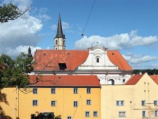 Jednu z nejvýznamnějších chebských památek, barokní kostel sv. Kláry, čeká...