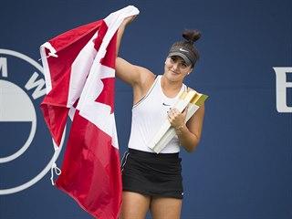 Bianca Andreescuová se raduje z vítězství na domácím turnaji v Torontu.