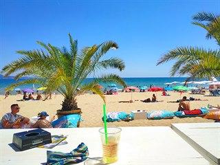 Bulharské Slunečním pobřeží nabízí pláže se zlatavým a velmi jemným pískem. (7....