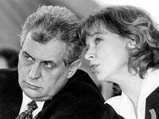 Mezi Petrou Buzkovou a Milošem Zemanem to jiskřilo. Místopředsedkyně ČSSD...