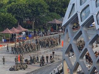 ROZDRTÍME VÁS SILOU: Jestliže se situace v Hongkongu bude dál zhoršovat, Čína...