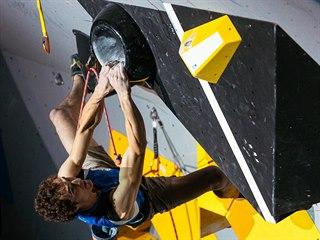 Adam Ondra na mistrovství světa v japonském Hačiodži.