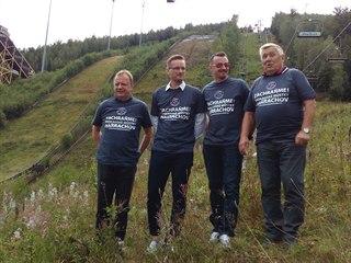 Pavel Ploc, Jakub Janda, Polák Adam Malysz a Dalibor Motejlek (zleva) chtějí...