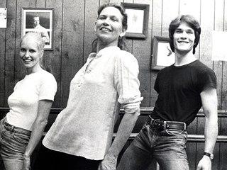 Patrick Swayze, jeho matka Patsy (uprostřed) a manželka Lisa Haapaniemiová,...