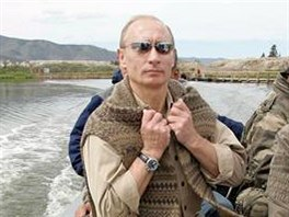 Vladimir Putin s Albertem II. na jezeře Tere-chol