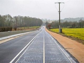 Solární silnice v západofrancouzském Tourouvre.