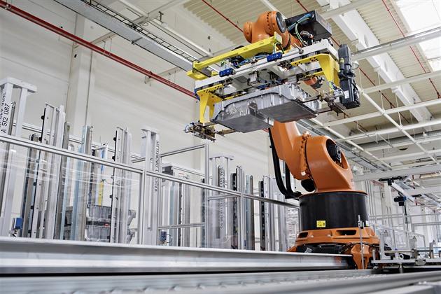 Škoda Auto vyrábí baterie pro elektrické automobily koncernu VW