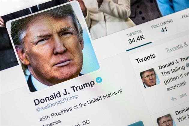 Trump příkazem usiluje o větší zodpovědnost sociálních sítí za obsah