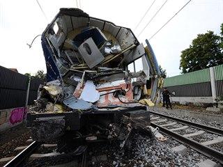 Kabina vlaku po srážce s kamionem na přejezdu v Uhříněvsi (6. září 2019)