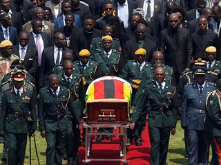Zimbabwe se rozloučila s někdejším dlouholetým autoritářským prezidentem...