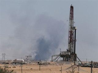Ve dvou ropných zařízeních na východě Saúdské Arábie vypukl požár. (14. září...
