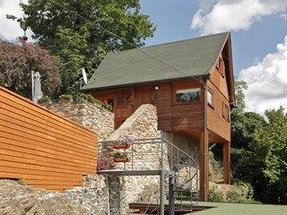 Moderní chata s trampskou duší