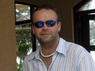 Uprchlý zločinec Radovan Krejčíř na Seyschelách (16. září 2005).