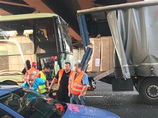 Autobus cestovní kanceláře CzechSportTravel u Milána havaroval s fanoušky,...
