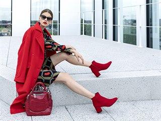 Červená barva je na podzim skvělou volbou.