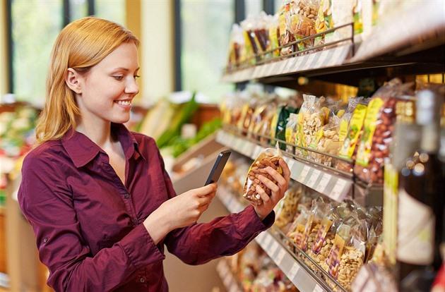 V regálech musí být 65 procent českých potravin, zkoušejí to opět poslanci