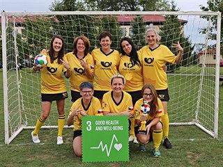 Vítězný tým českých pošťaček Yellow Ladies. (20. září 2019)