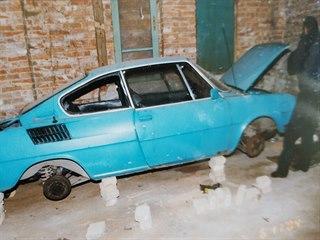 Vozidlo, v němž únosci drželi a udusili podnikatele Stanislava Brunclíka
